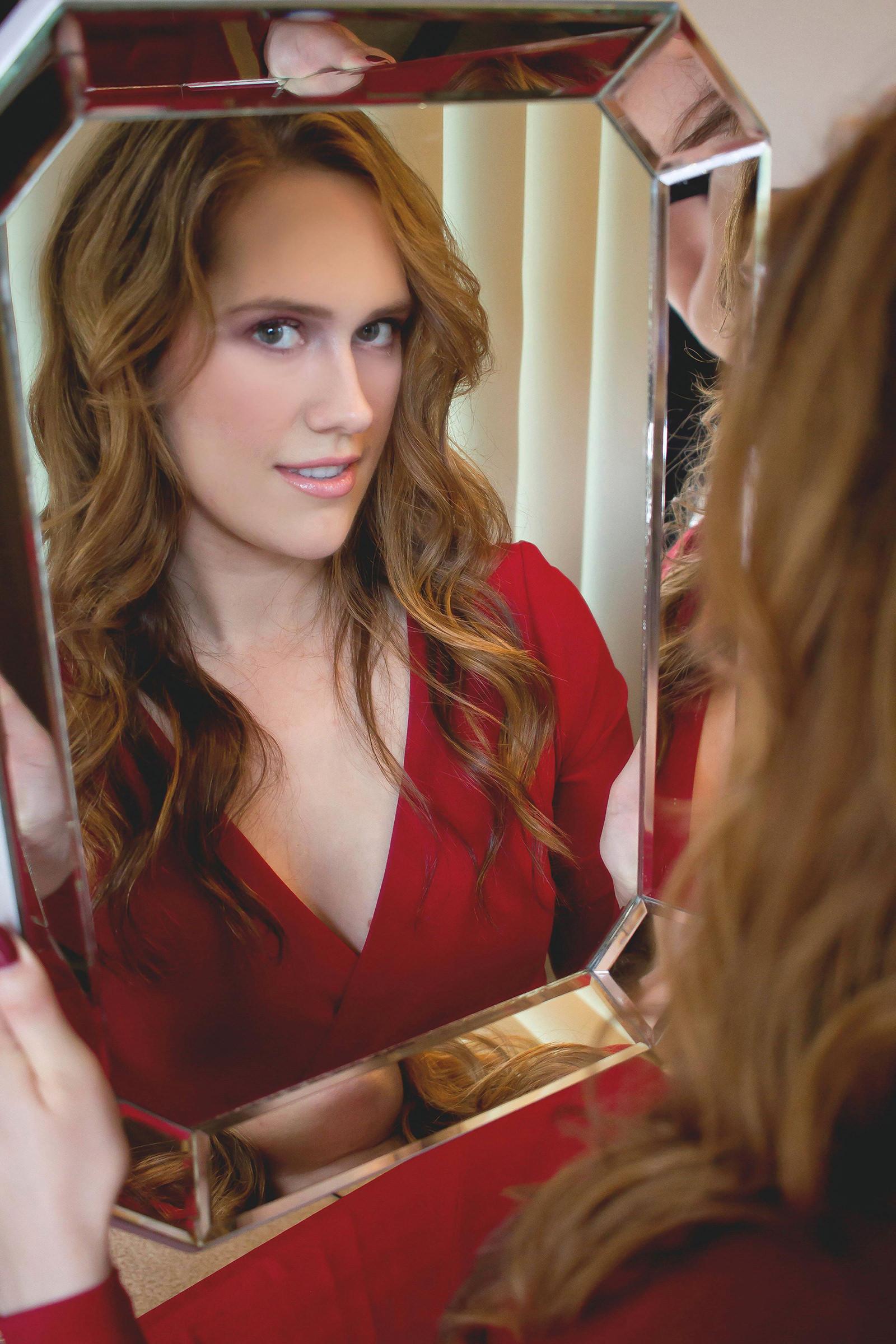 Olivia Wilde's Makeup - Katherine Chloe Cahoon-C