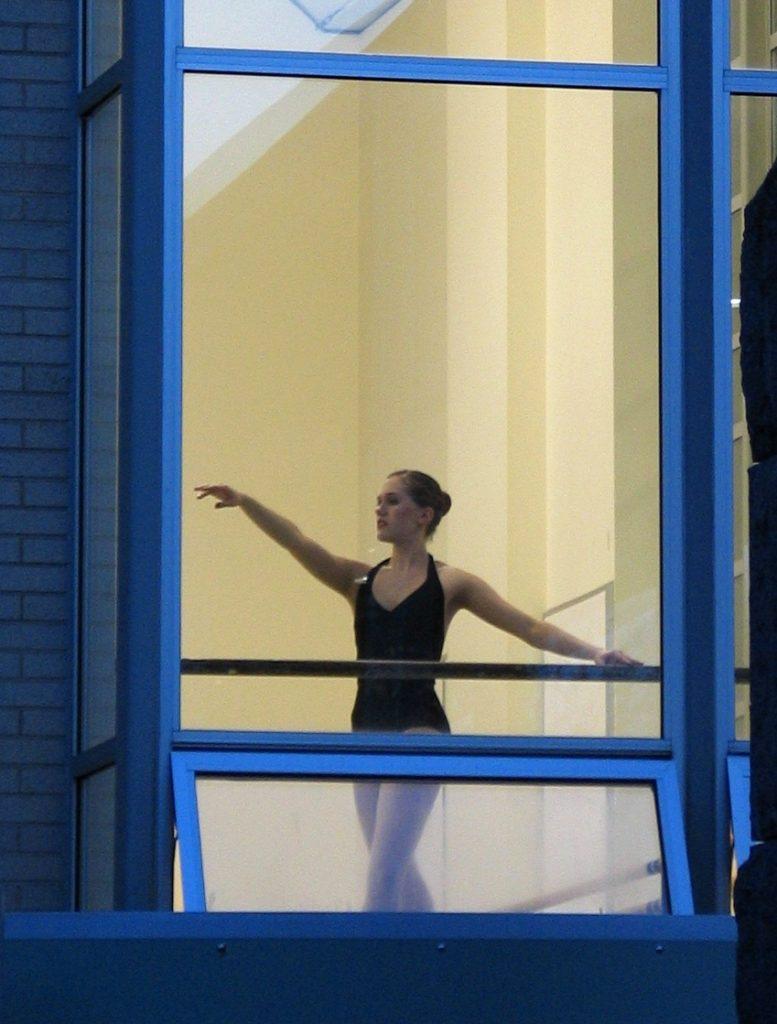 Dancing En Pointe After Fourteen Years - Katherine Chloe Cahoon 4